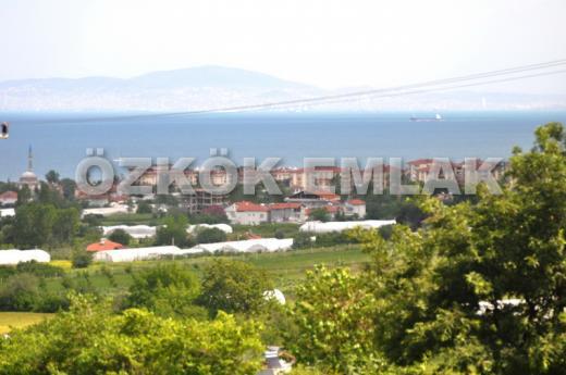 Akköy'de Deniz Manzaralı Arsa