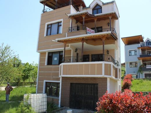 Akköy de deniz manzaralı villa