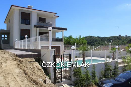 Akköy'de Ultra Lüks 7+1 Villa Fırsatı
