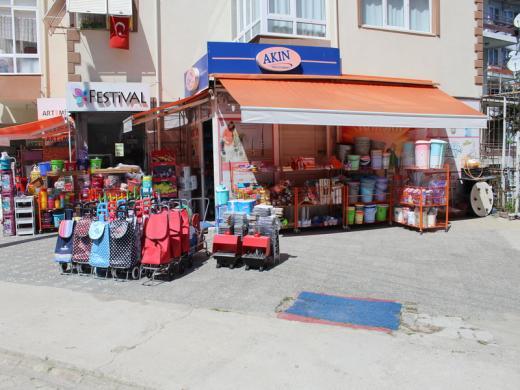 Çınarcık ta satılık dükkan