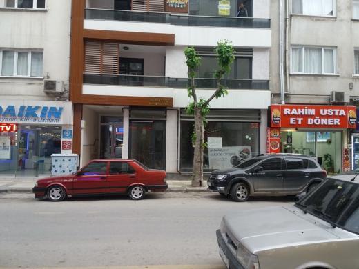 istanbul cad.de satılık dükkan
