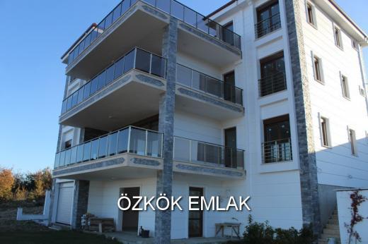 Koru'da Deniz Manzaralı Müstakil Havuzlu Satılık Villa