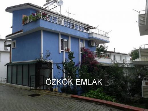 Koru'da Site İçi 4+1 Satılık Villa