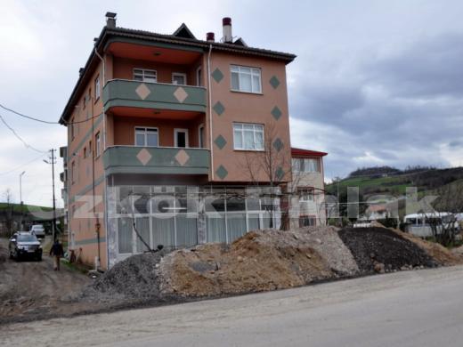 Safran yolunda satılık binalar