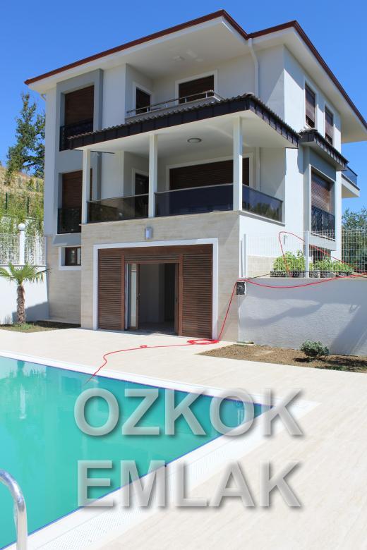 Samanlı'da Müstakil Havuzlu 7+1 Villa Fırsatı