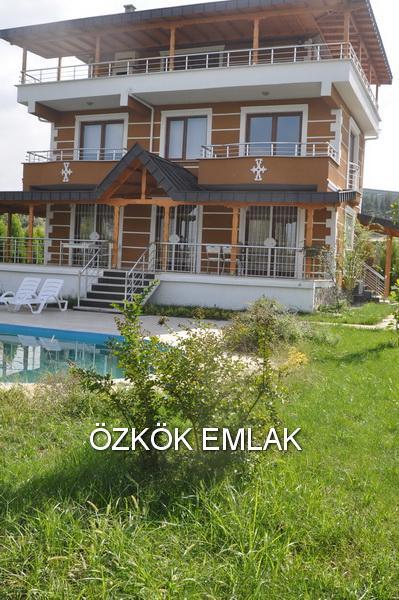 Termal'de 6+1 Satılık Villa